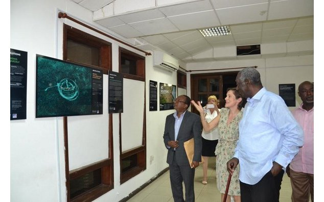 Former President John Kufuor and Amelie July inaugurating the photo exhibition